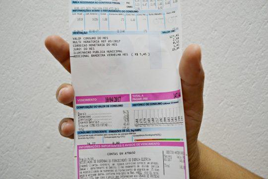 Governo do estado irá pagar conta de luz para 534 mil famílias de baixa renda no Ceará.