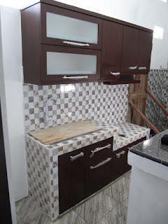 Desain Lemari Dapur 2 Meter Atas Bawah - Furniture Semarang