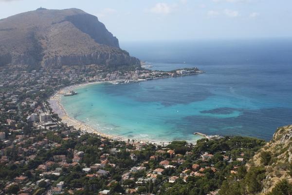 Palermo-architettura-città-mare