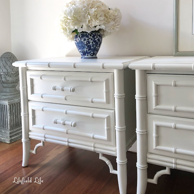how to avoid brushmarks and have a lovely smooth finish when painting furniture by Lilyfield life
