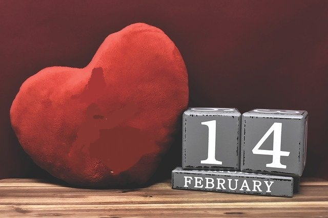 ما تاريخ عيد الحب أو الفالنتاين ، و لماذا سمي بهذا الاسم ؟ قصة يوم الحب !