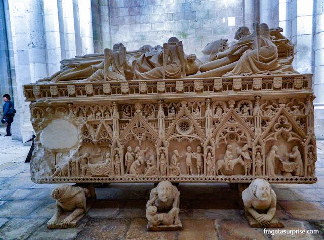 Túmulo de Inês de Castro, Mosteiro de Alcobaça, Portugal