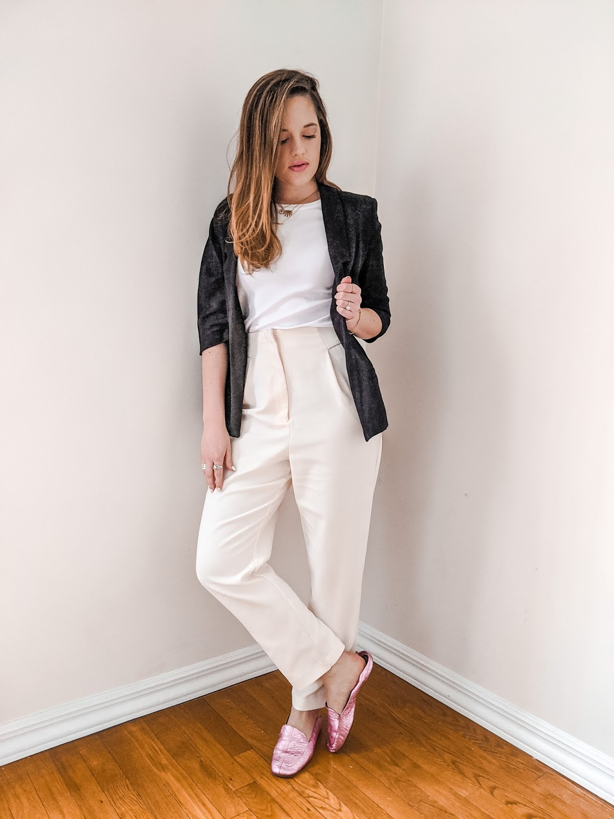 Nyc fashion blogger Kathleen Harper wearing a simple work outfit.