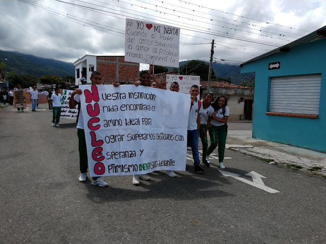 Marcha-pacifica-amenaza-docentes-profesores