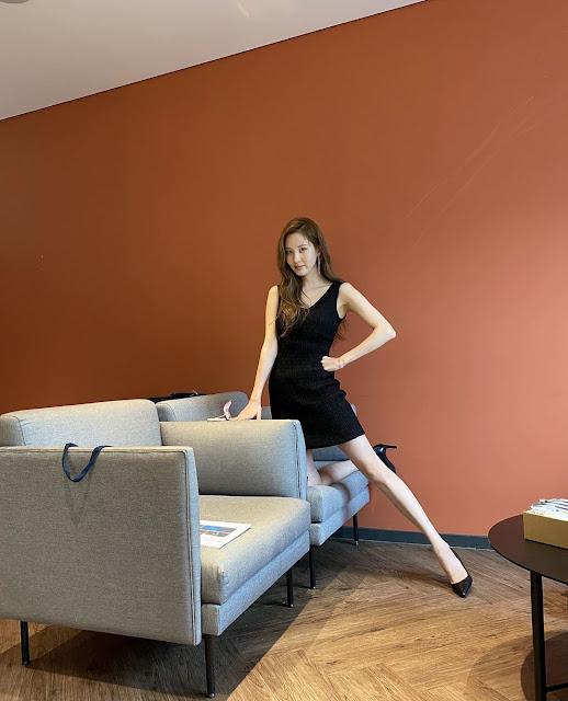 SNSD Seohyun Black Outfit