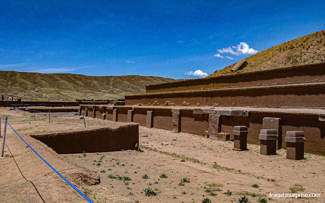 Pirâmide de Akapana, Sítio Arqueológico de Tiwanaku, Bolívia