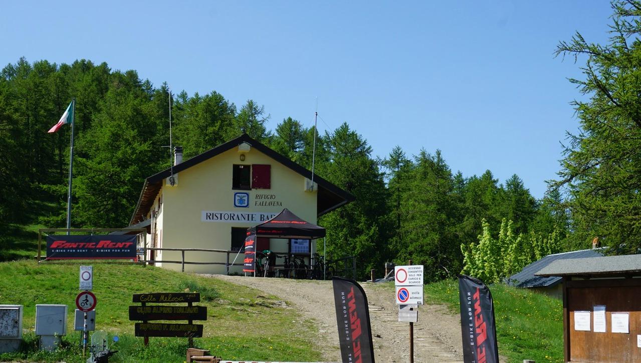 Rifugio Allavena at Colla Melosa
