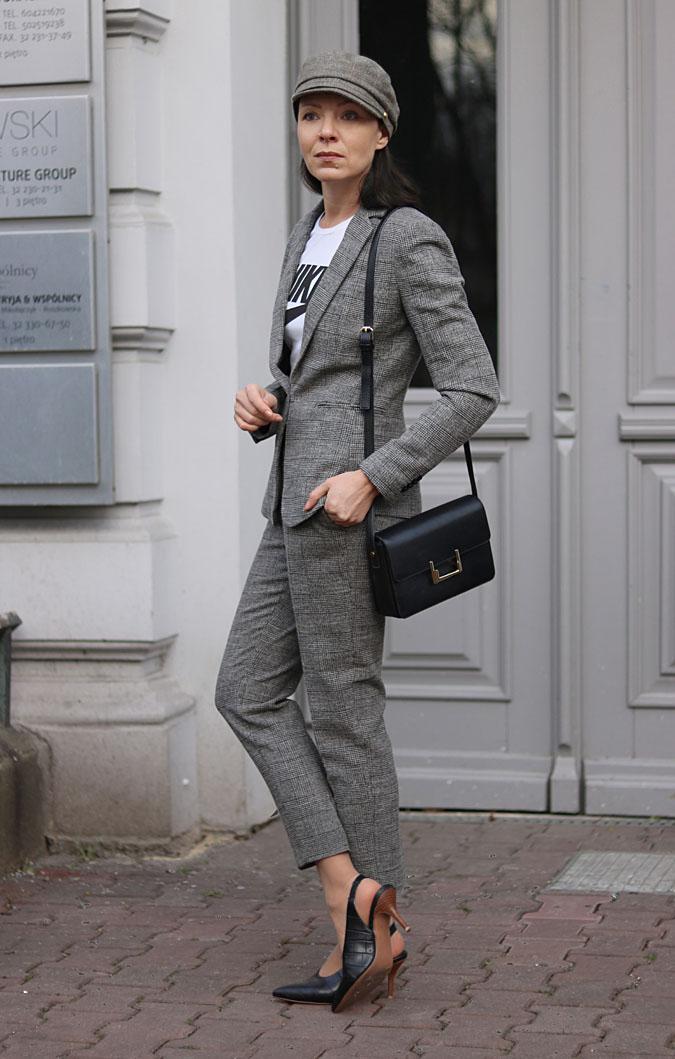 garnitur damski ze spodniami 2018