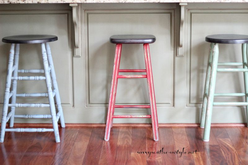 Savvy Southern Style : Mismatched Farmhouse Style Bar Stools
