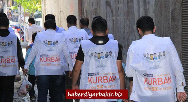 Yasinler, Diyarbakır'da kurban eti dağıtmaya devam etti