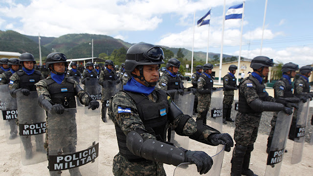 Honduras reestructura su Policía y despide a 2.100 agentes