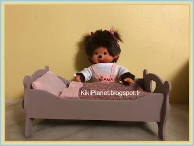 Lit en bois fait main pour Kiki ou Monchhichi, handmade, miniature, meuble