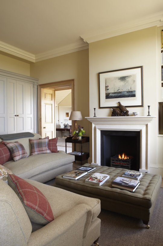 red based neutral lounge interior design