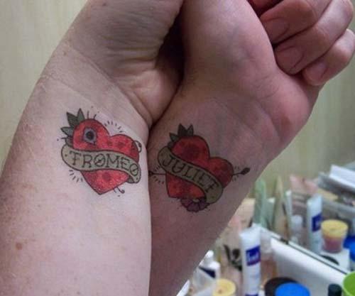 çift dövmesi kalpli romeo juliet couple tattoo with heart