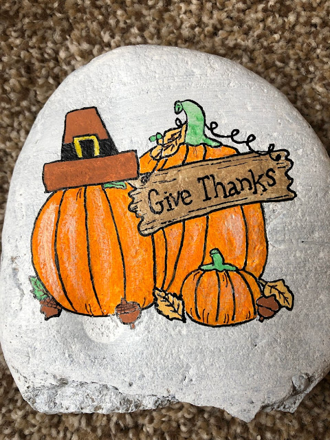 Cute give thanks painted rocks for thanksgiving decor