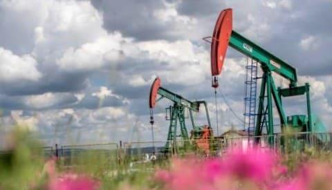 أسعار النفط تصعد لمستوي قياسي