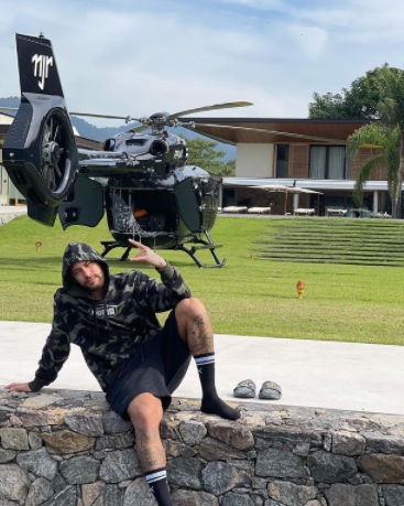Neymar Shows Off His Customized Mercedes Helicopter which worth £10million (Photo)
