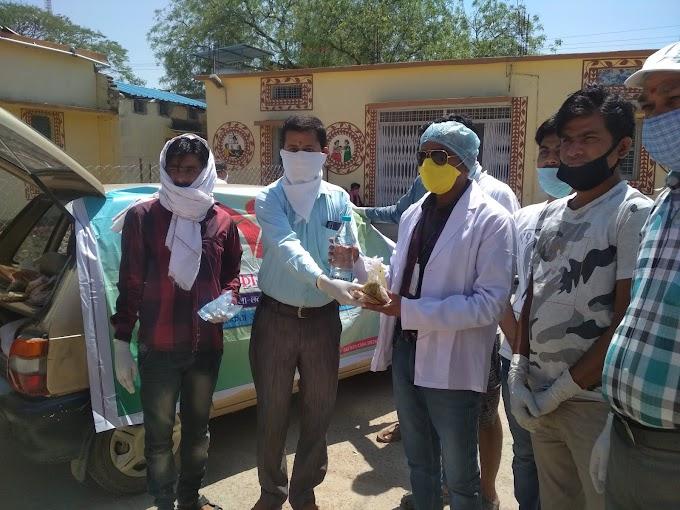जरूरतमंदो तक खाना पहुचाँ रही आदिशक्ति फाउंडेशन संस्था | HARPALPUR NEWS