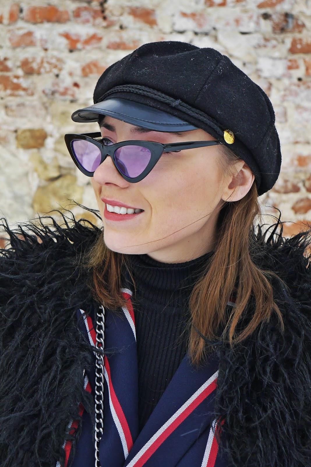 marynarka w paski czarne futerko traperki renee karyn blog modowy blogerka modowa puławy
