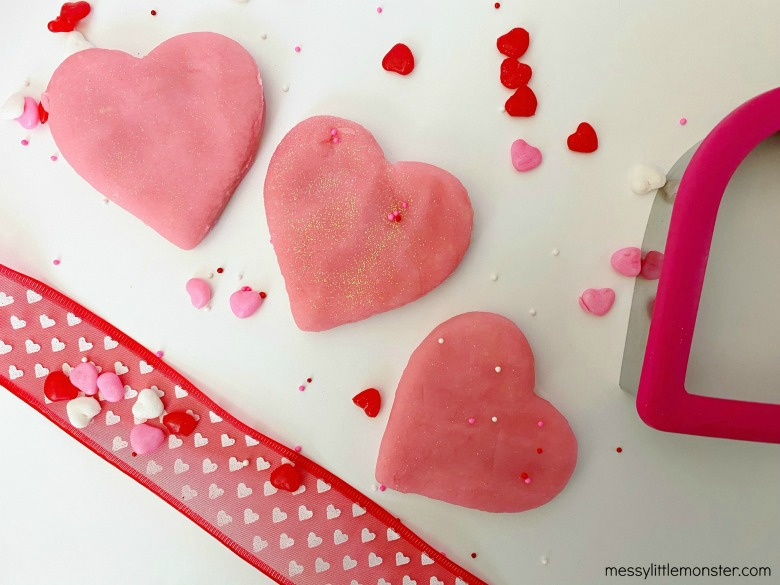 preschool valentine playdough crafts