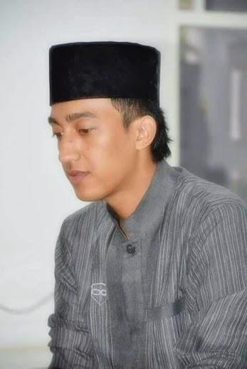 Lirik Kunta Rohiman : lirik, kunta, rohiman, Lirik, Sholawat, Rasulallah, (Kunta, Rohiman), Al-Mubarok, Haedar, Assegaf