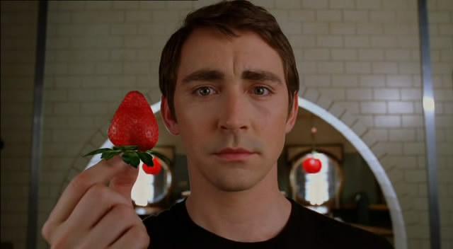 Lee Pace interpreta a Ned, un pastelero que puede revivir a los muertos