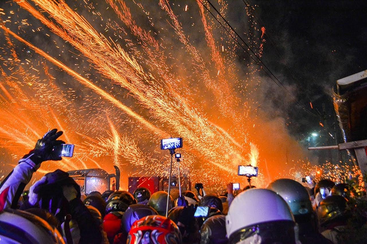 鹽水蜂炮、月津燈會「暫時取消」?新化年貨大街評估中|台南人正反論戰熱烈