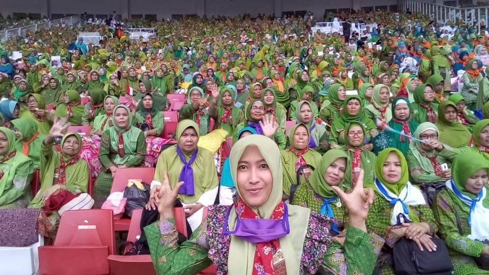 Kental Politisasi, Perlawanan Senyap Emak-Emak NU Ini Panen Pujian