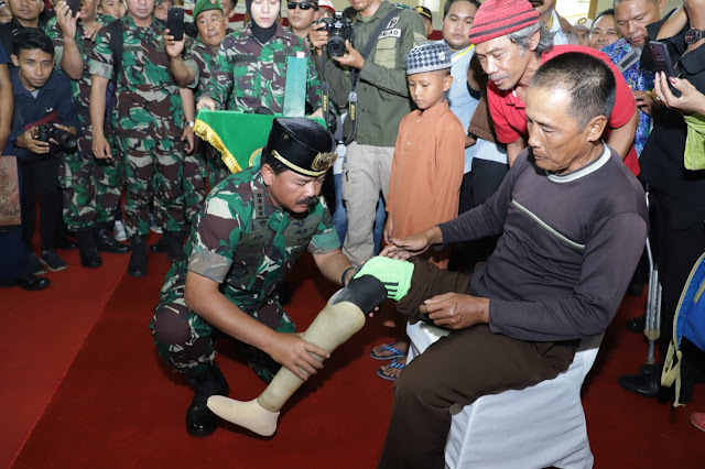 Panglima TNI Tinjau Baksos Kesehatan TMMD di Samarinda