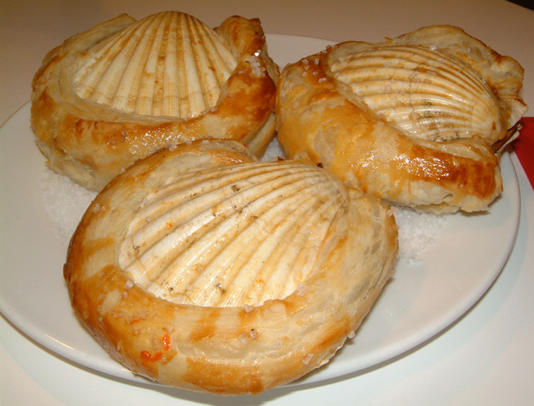 Scallops baked in their shells