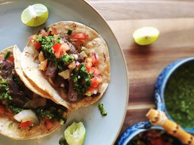Tacos de Fajitas de Res con Chimichurri