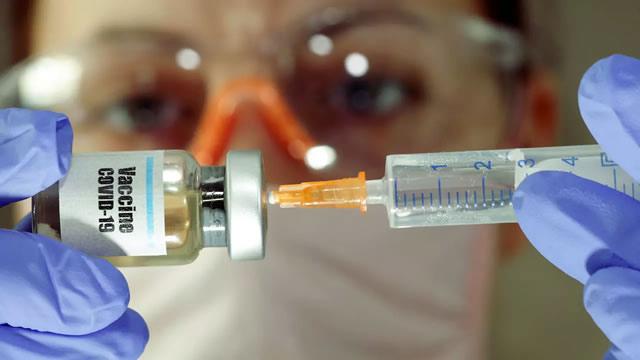 Bolivia se anota entre los primeros países para recibir vacuna contra COVID-19 que desarrolla la universidad de Oxford