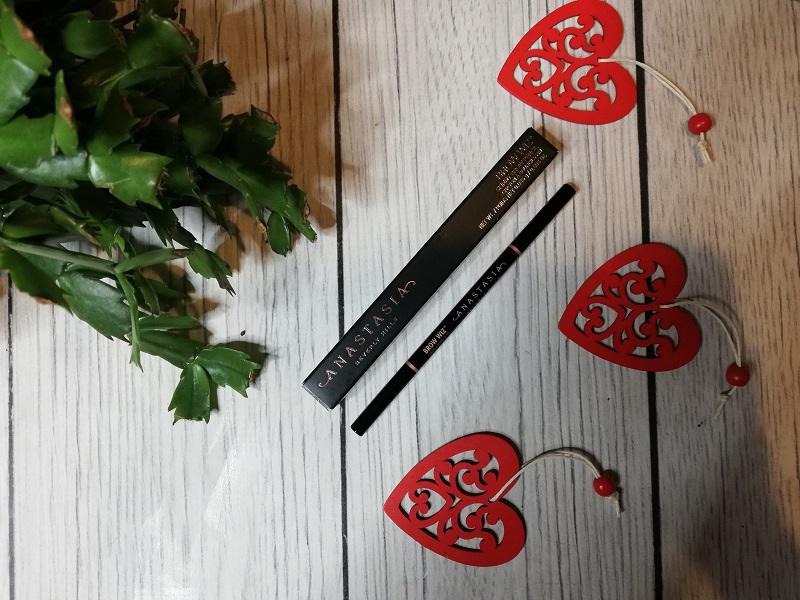 Anastasia Beverly Hills Skinny Brow Pencil Medium Brown, czyli kredka do brwi