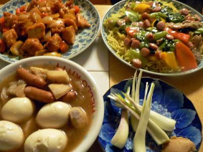 冷凍唐揚げのケチャップ炒め+残り物の煮物再利用2皿