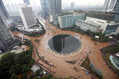 Banjir di Bundaran HI Jakarta Tahun 2013