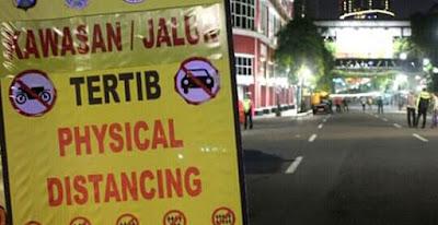 Langgar Aturan PSBM, 4 Tempat Usaha Terpaksa Disegel Satpol PP Kota Bekasi