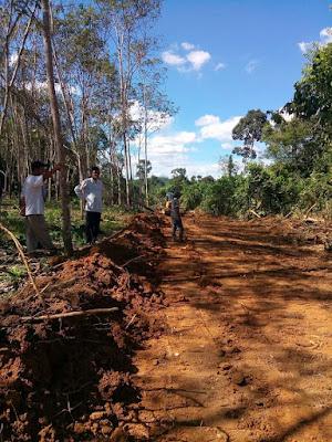 Hari Libur, Bupati PALI Tetap Tinjau Pembangunan Jalan