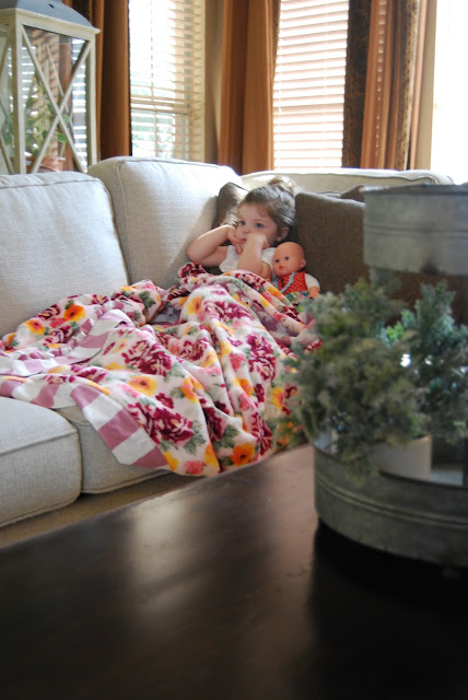 Momfessionals Friday Favorites Blanket Edition