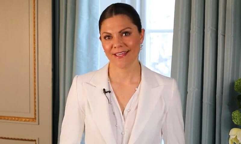 Crown Princess Victoria wore a Boucle blazer from By Malene Birger, Emporio Armani one-Button gabardine blazer. Avavav plisse collar blouse