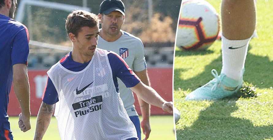 48f6792085d Antoine Griezmann laced up in a pair of unique Puma Future boots in training  today.