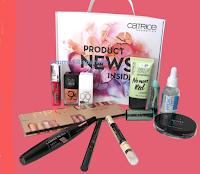Logo Concorso Silhouette Donna '' Riparti con Catrice'': vinci gratis Beauty Bag