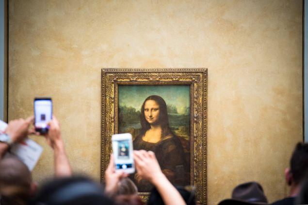 Γιατί αισθανόμαστε ότι μας κοιτάει η Μόνα Λίζα; Οι επιστήμονες εξηγούν