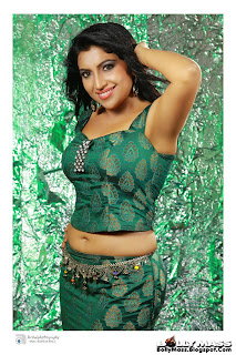 0014 WWW.BOLLYM.BLOGSPOT.COM Maanagara Sambhavam Tamil Movie Actress Vaigha Pictures Posters Wallpapers Pic Stills Image Gallery.jpg