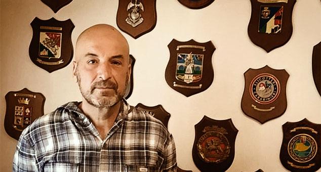 """""""Роберто има 58 година, има троје одрасле деце и пет унучића. Каже да се гледајући своје унуке увек сети српске деце са Косова и беде и поноса којег је тамо спознао."""""""