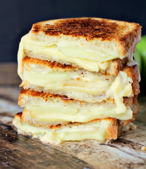 Apple Grilled Cheese #cheese #desserts #cakes #easy #recipes