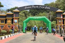 Muhammad Nur Rahmad dan Cyclist Tanjungpura Cycling Club Selesaikan Etape I Tour De Aruk G310K
