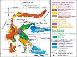 Gambar 4. Peta geologi dan struktur regional Sulawesi (Kadarusman dkk, 2004)