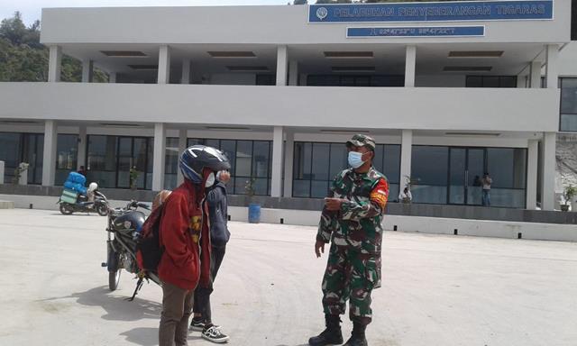 Cegah Penyebaran Covid-19, Personel Jajaran Kodim 0207/Simalungun Sosialisasikan Pentingnya Pakai Masker