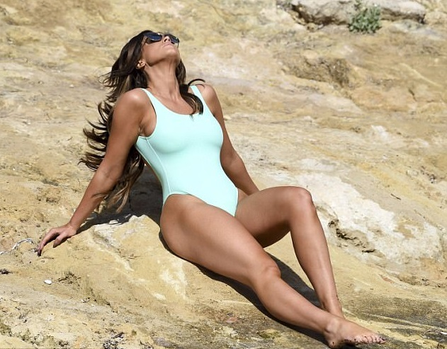 Vicky Pattison shows off her hot enviable curves in light green swimsuit as she poses for sexy shoot in Majorca