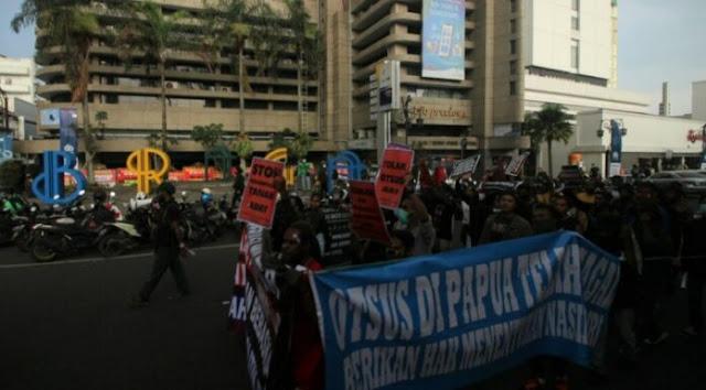 Unjuk Rasa Mahasiswa Papua: Palestina Dijajah Israel dan Papua Dijajah Indonesia!